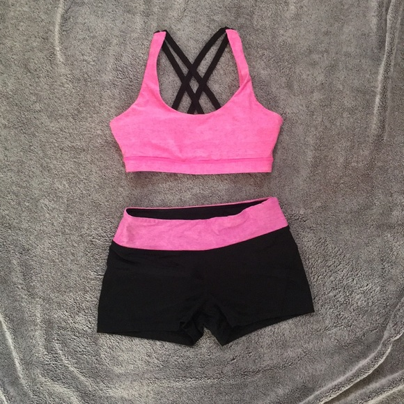 006c8451c7 Forever 21 Other - Forever 21 matching sports bra and shorts
